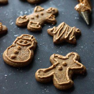 Easy Vegan & Paleo Gingerbread Cookies
