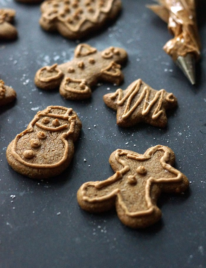 gingerbread cookies with icing