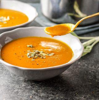 Vegan Creamy Pumpkin Tomato Soup