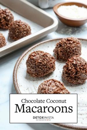 chocolate macaroons pin