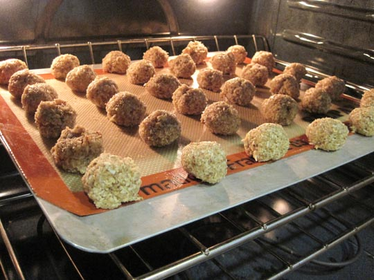 coconut macaroons in the oven