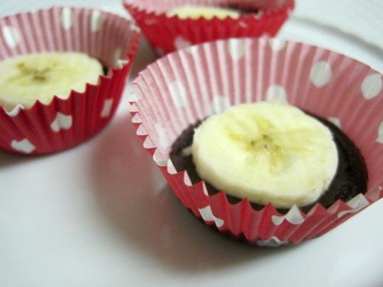 sliced banana on chocolate