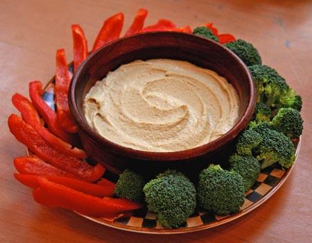 raw hummus with veggies