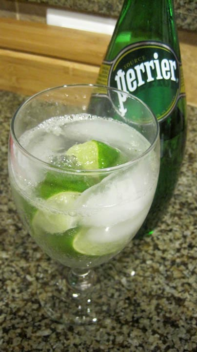 sparkling water with lime