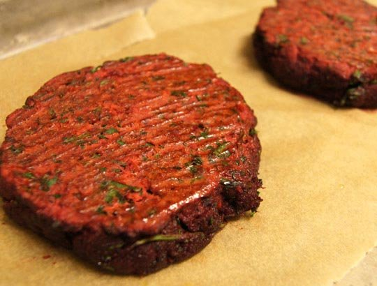 baked beet veggie burger