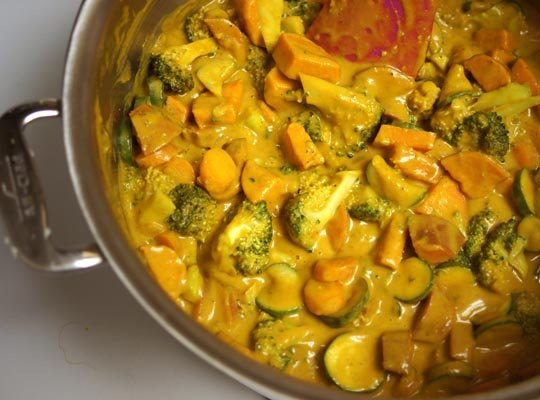 vegetable curry in pan
