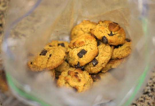 flourless peanut butter cookies in a ziploc bag