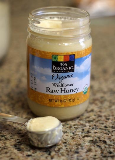 jar of organic raw honey