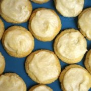 Quick lemon frosting on cookies