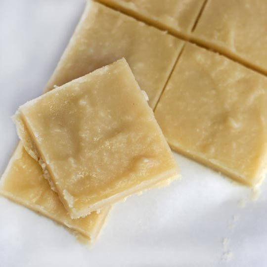 macadamia nut fudge squares