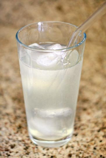 glass of stevia sweetened lemonade with a straw