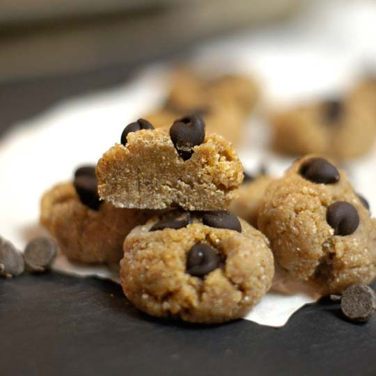 Raw Cookie Dough Bites (Vegan)