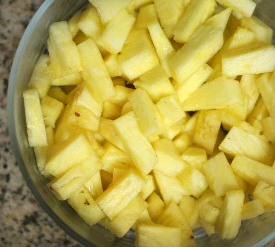 bowl of cut pineapple