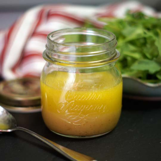Raw Apple Cider Vinaigrette | Detoxinista