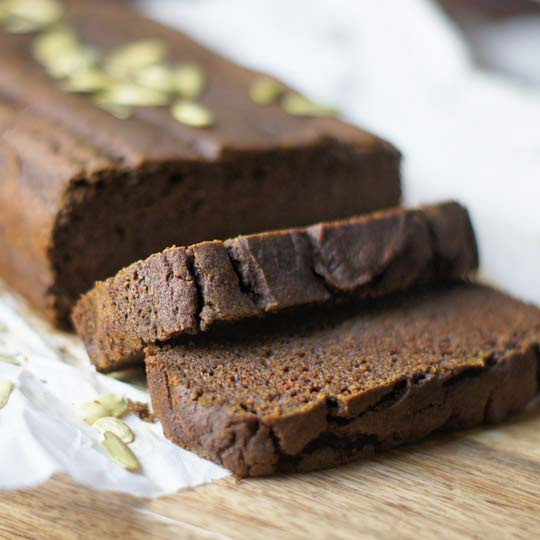 vegan pumpkin bread sliced