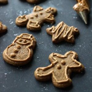 vegan gingerbread cookies with coconut sugar icing