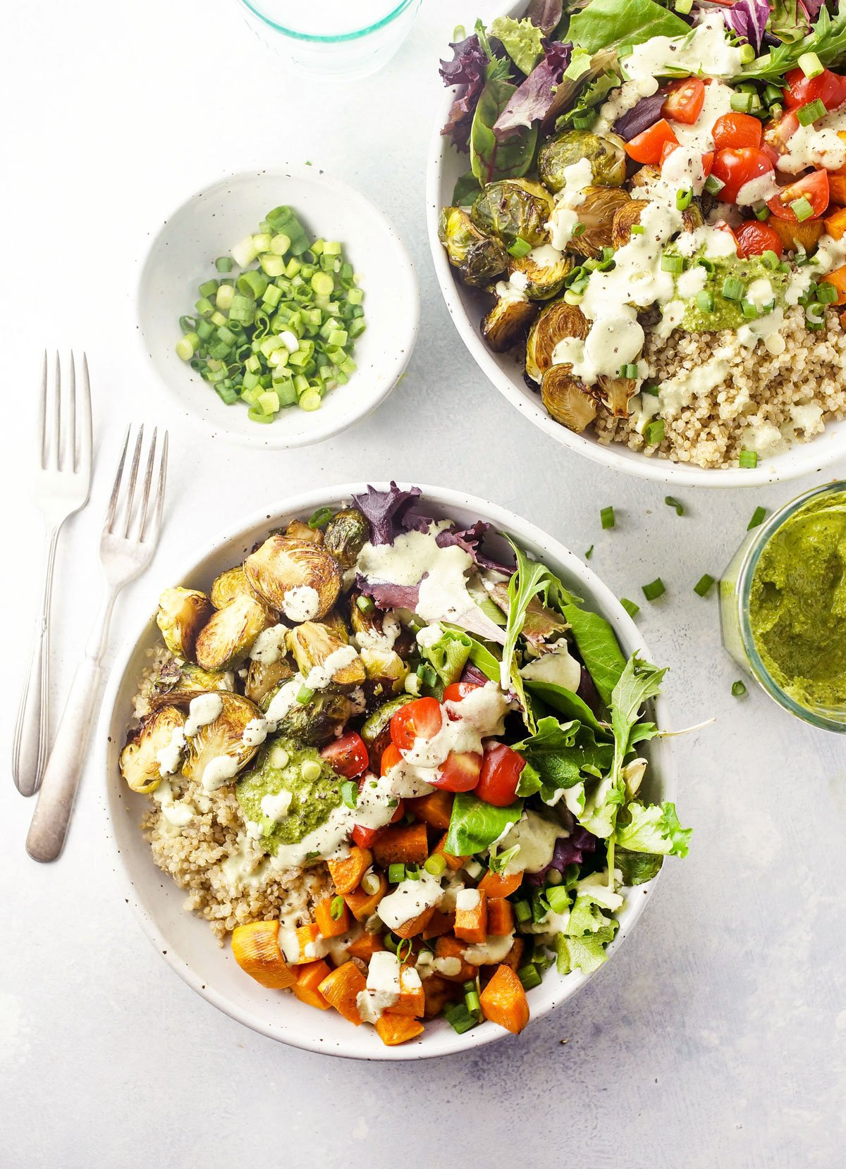Make ahead detox roasted vegetable quinoa bowls detoxinista for Cuisine quinoa