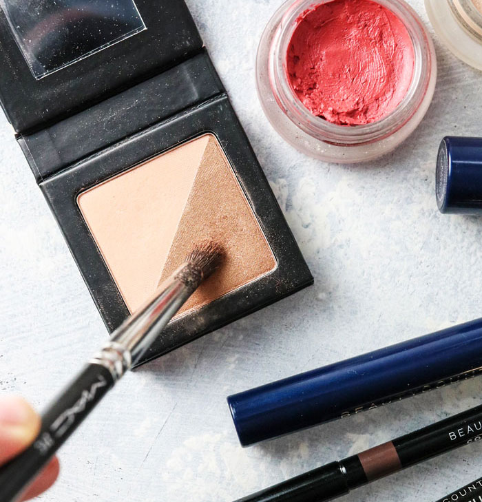 safer eye shadow and non-toxic lip color