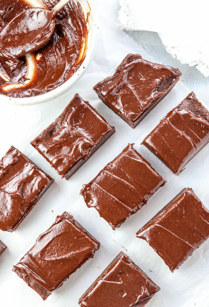 healthy no-bake brownies with chocolate frosting