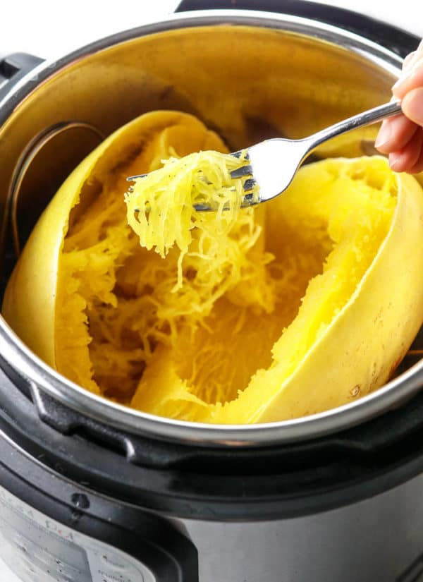 how to cook spaghetti squash in the Instant Pot pressure cooker