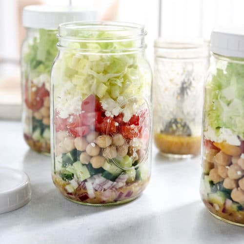 mediterranean mason jar saads with chickpeas