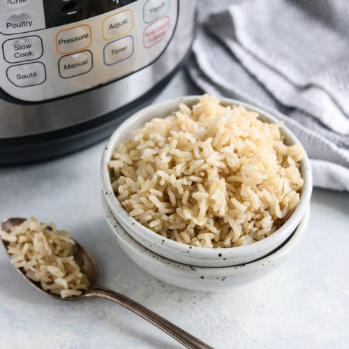 instant pot brown rice in a bowl