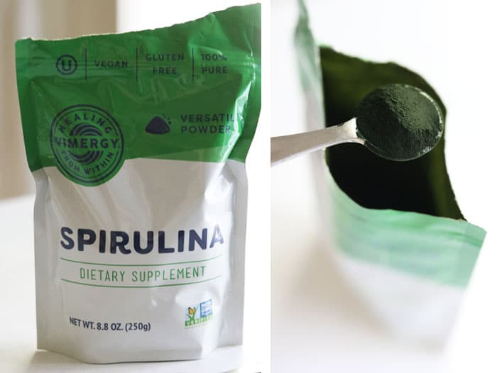 spirulina powder in bag