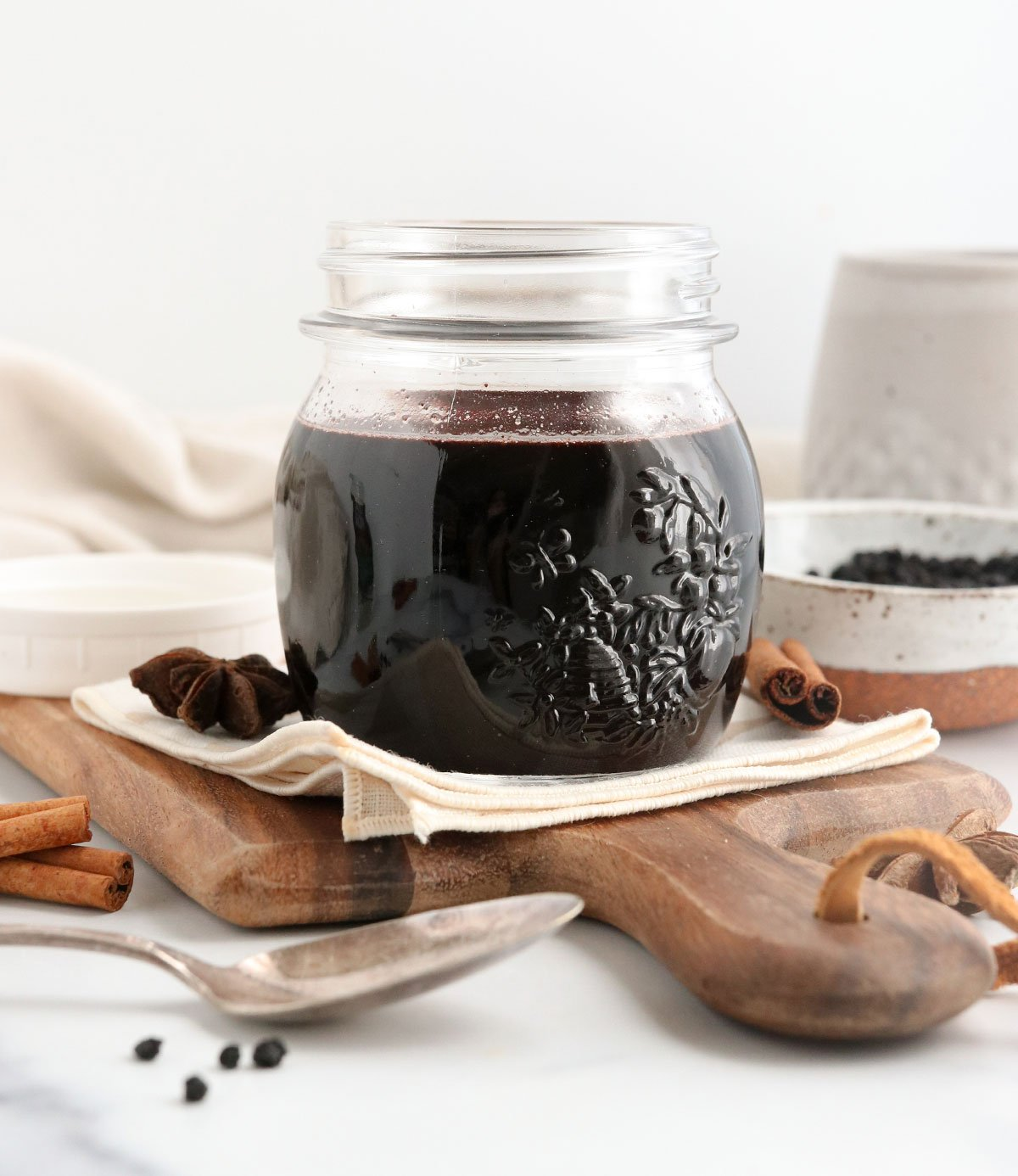 elderberry syrup in glass mason jar