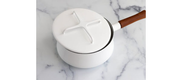 cracked lid on the pot